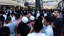 Pemain Asing Persik Ikuti Prosesi Pemakaman Wakil Wali Kota Kediri