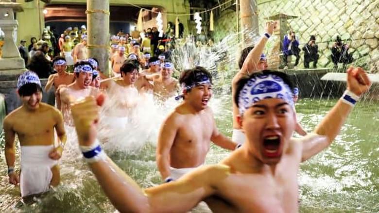 Festival telanjang di Jepang
