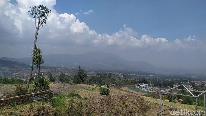 Pemandangan Kabupaten Garut dari ketinggian