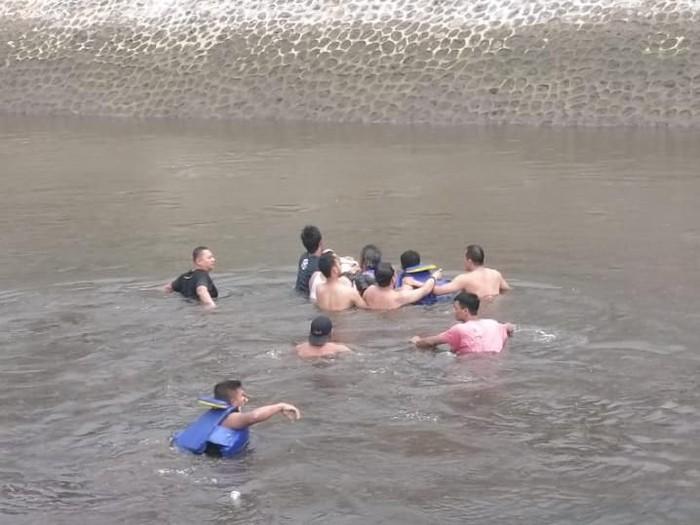 Seorang gadis ABG tewas tenggelam di Embung Lanjaran, Pakem, Sleman, Minggu (16/2/2020).
