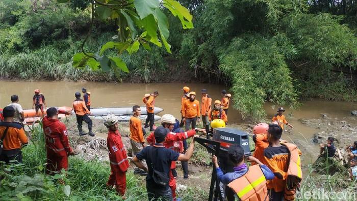 Pencarian Mbah Joko yang hilang diduga tenggelam di Sungai Pepe, Boyolali dihentikan, Minggu (16/2/2020).