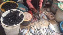 Belanja dan Jajan Enak di Pasar Prembaen yang Legendaris