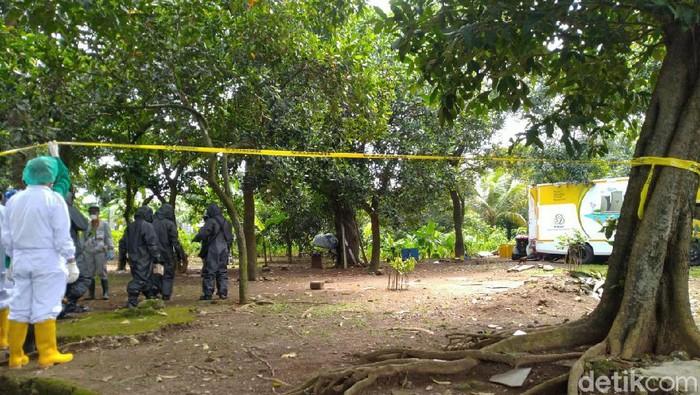 Pembersihan limbah radioaktif di Komplek Batan (Sachril Agustin-detikcom)