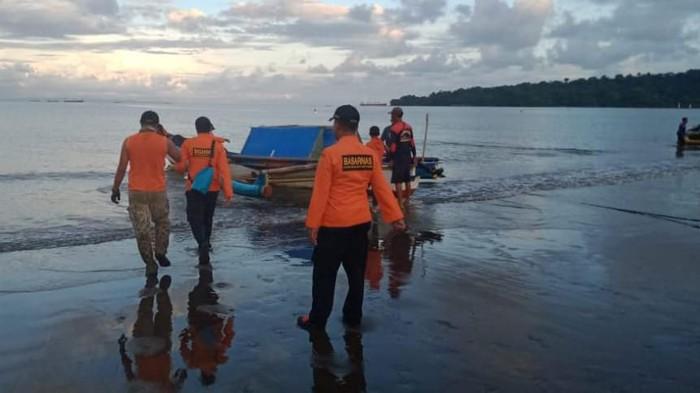 Seorang remaja hilang terseret ombak di Pantai Kaliempat, Nusakambangan, Cilacap, Minggu (16/2/2020).