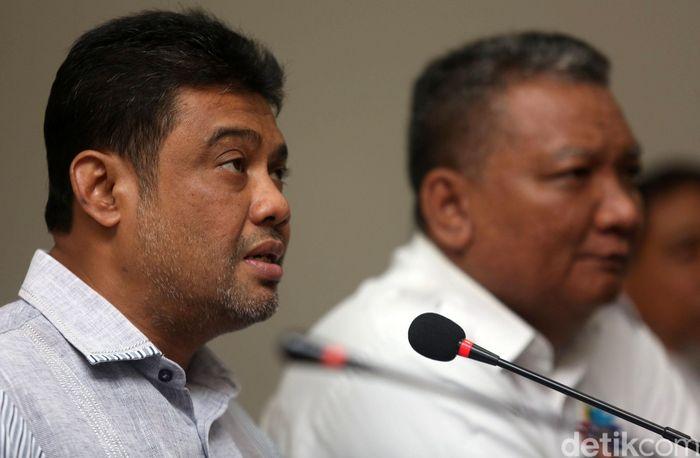 Presiden Konfederasi Serikat Pekerja Indonesia (KSPI), Said Iqbal memberikan keterangan pers terkait RUU Omnibus Law Cipta Kerja di Jakarta, Minggu (16/2/2020).