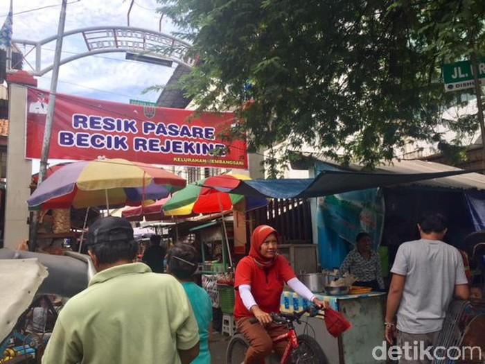 pasar tradisional legendaris prembaen