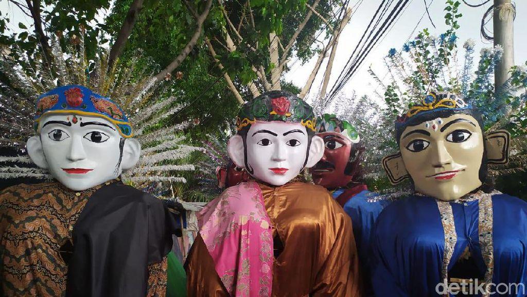 Kontroversi Ondel-ondel Ngamen di Jalanan yang Keluar Pakem Budaya Betawi