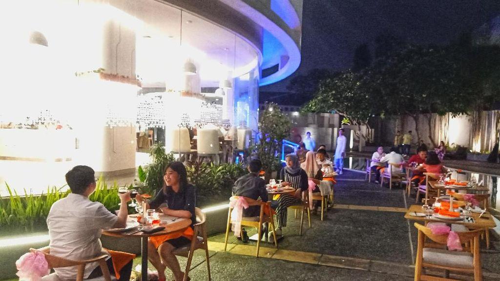 Seperti Apa Dinner Romantis di HARRIS Tebet Jakarta?