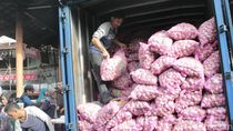 8 Ton Bawang Putih Murah Dijual di Pasar Kosambi Bandung