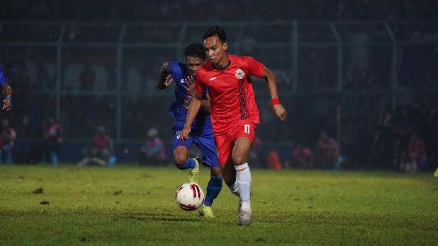 Novri Setiawan ikut menyumbang gol ke gawang Madura United.