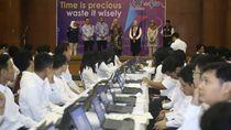 Tinjau Ujian CPNS di Jakarta, Menaker: Kalian Harus Percaya Diri