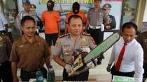 Warga Banyuwangi dan Surabaya Kepergok Curi Kayu Jati