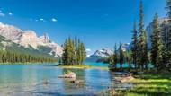 Danau Misterius di Kanada