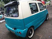 Suzuki Karimun bergaya retro.