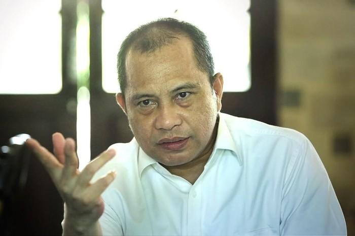 Sebagaimana ditaksir Menteri Pariwisata dan Ekonomi Kreatif, Indonesia diprediksi mengalami kerugian hingga di angka Rp 54 Triliun karena terdampak keberadaan Virus Corona.