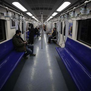 Akibat Corona, Kereta Beijing Sepi di Jam Sibuk