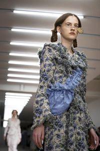 Efek Virus Corona, Desainer China Batal Tampil di London Fashion Week