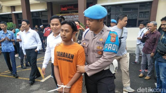 Polisi tangkap USA alias F (19)  pelaku pembunuhan di Karawang