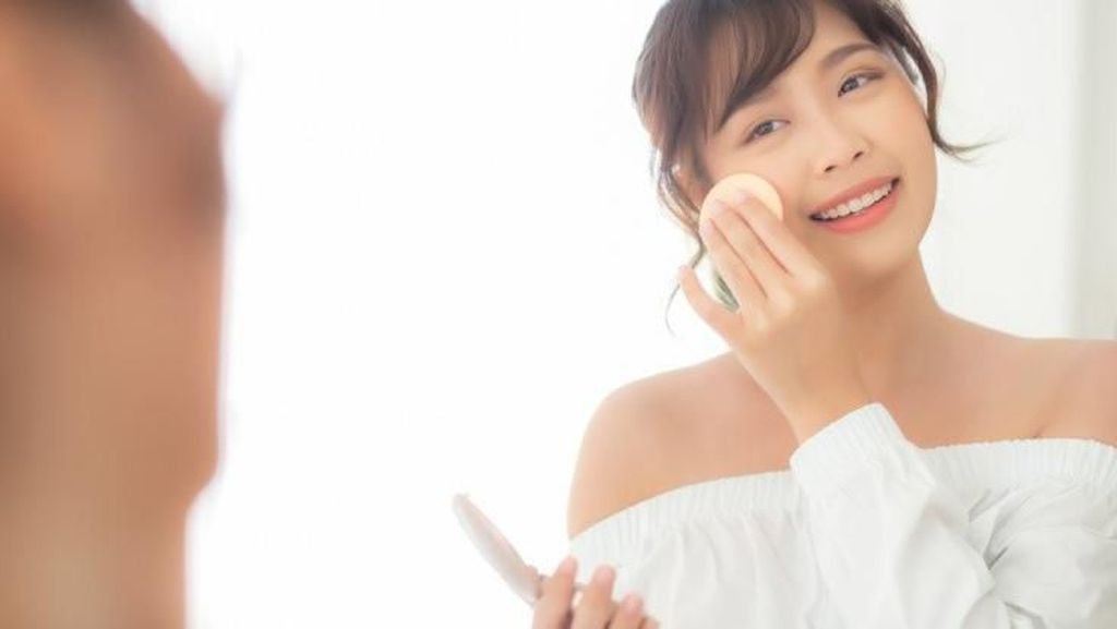Ini Cara Buat Makeup Natural Antidempul