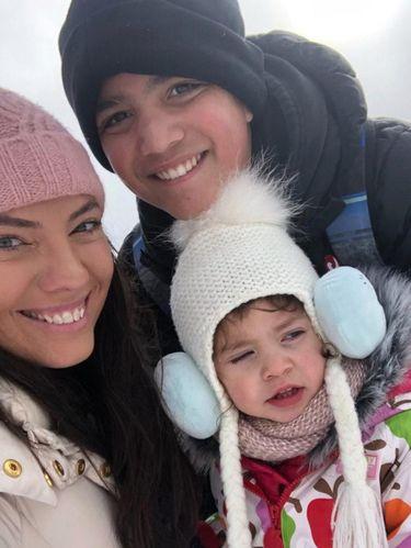 Shanno Lott dan kedua putrinya