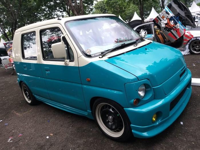 Modifikasi Suzuki Karimun bergaya retro