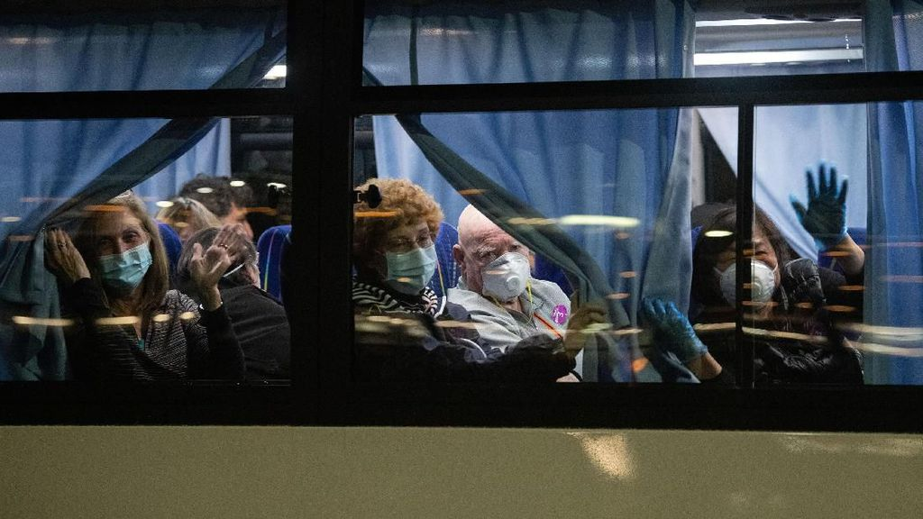 Warga AS Dievakuasi dari Kapal Pesiar yang Dikarantina di Jepang