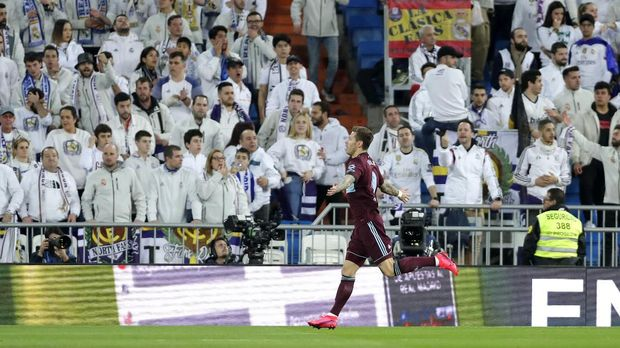 Fedor Smolov sempat mencetak gol  cepat di babak pertama.