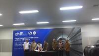 Disaksikan Anies, Kontrak Proyek MRT HI-Kota Diteken