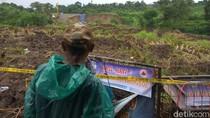 Video Penampakan Longsor di Tepi Tol Cipularang Km 118