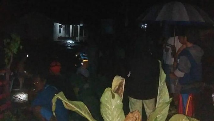 Banjir di Banggai rendam 10 rumah dan puskesmas (dok. Istimewa)