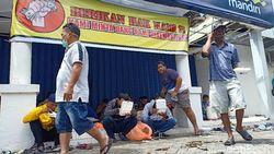 Nasabah Segel Bank karena Duit Rp 2 M Raib, Mandiri Koordinasi ke Polisi