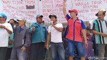 Warga Protes Bau Limbah dan Suara Bising Pabrik Mebel di Mojokerto
