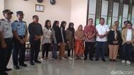 4 Mahasiswa RI dari Wuhan Tiba di Kendari, Warga Diminta Tak Mengucilkan