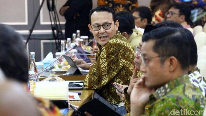 Sejumlah menteri hadiri rapat bersama DPR RI. Rapat itu membahas mengenai kenaikan iuran BPJS Kesehatan.