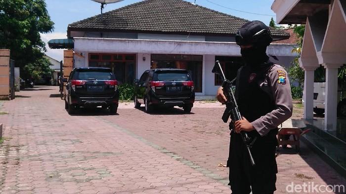 kpk geledah rumah mantan ketua DPRD Tulungagung