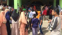 Warga Antusias Lihat Artefak Nabi Muhammad SAW di Banten