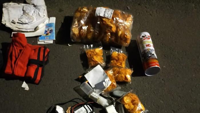 Tim Jibom mengidentifikasi benda mencurigakan yang ditemukan di Kembangan