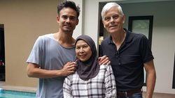 Janji Akan Kembali untuk BCL, Orang Tua Ashraf Sinclair Pulang ke Malaysia