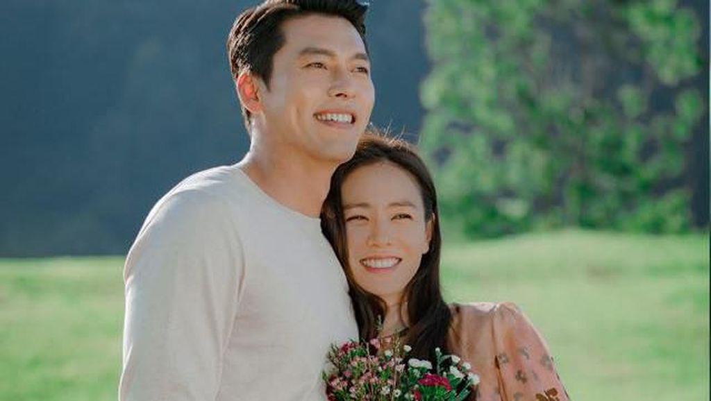 10 Gaya Son Ye Jin Pakai Tas Ratusan Juta Rupiah di Crash Landing On You