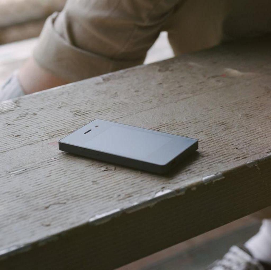 HP Jadul yang Cuma Bisa Nelepon & SMS Ini Laris Manis