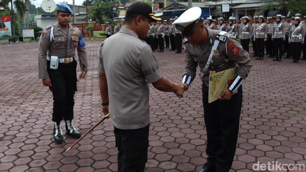 Polantas Bekuk 2 Pelaku Curanmor di Bandung Diganjar Penghargaan