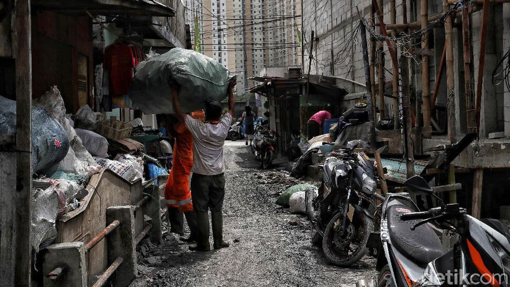 Jurang Si Kaya dan Si Miskin di Jakarta Lebar, Anies Harus Apa?