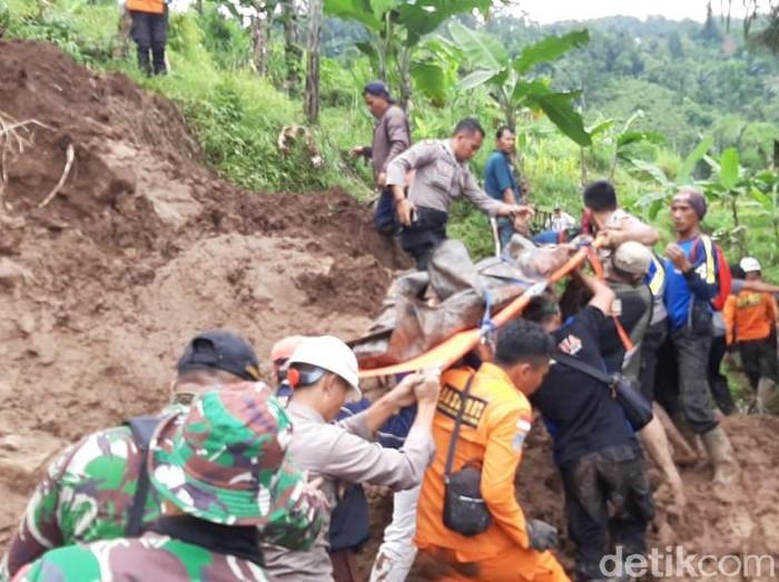 Satu korban tertimbun longsor di Garut ditemukan tewas