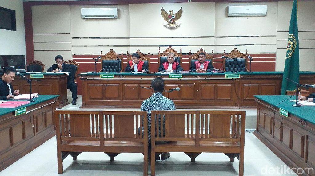 Korupsi Jasmas, Eks Anggota DPRD Surabaya Dituntut 2,5 Tahun Penjara