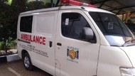 Salut! Ambulans Pelat Hitam Ini Hasil Gotong-Royong Warga