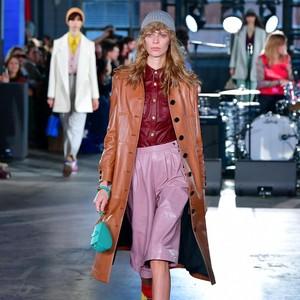 10 Koleksi Busana Coach di New York Fashion Week 2020