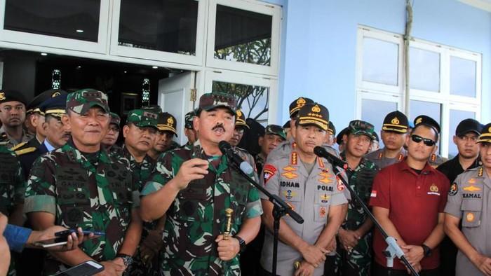 Kapolri Jenderal Idham Azis dan Panglima TNI Marsekal TNI Hadi Tjahjanto (dok. Puspen TNI)
