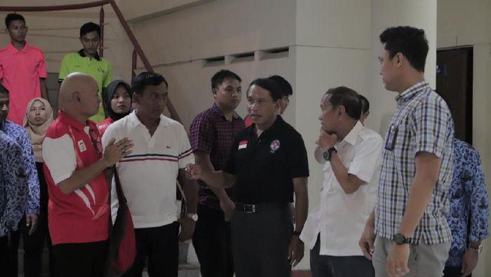 Menpora bertemu dengan rektor Unesa.