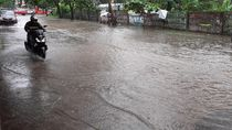 Diguyur Hujan Sesaat, Kompleks Rumah Dinas Wagub Sulsel Banjir 30 Cm