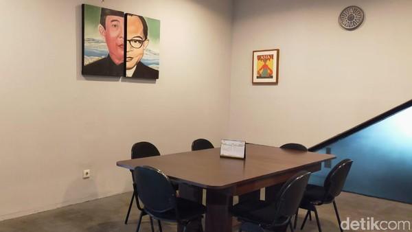 Selain itu, ada juga meeting room kalau mau diskusi yang lebih privasi. (Elmy Tasya Khairally/detikcom)